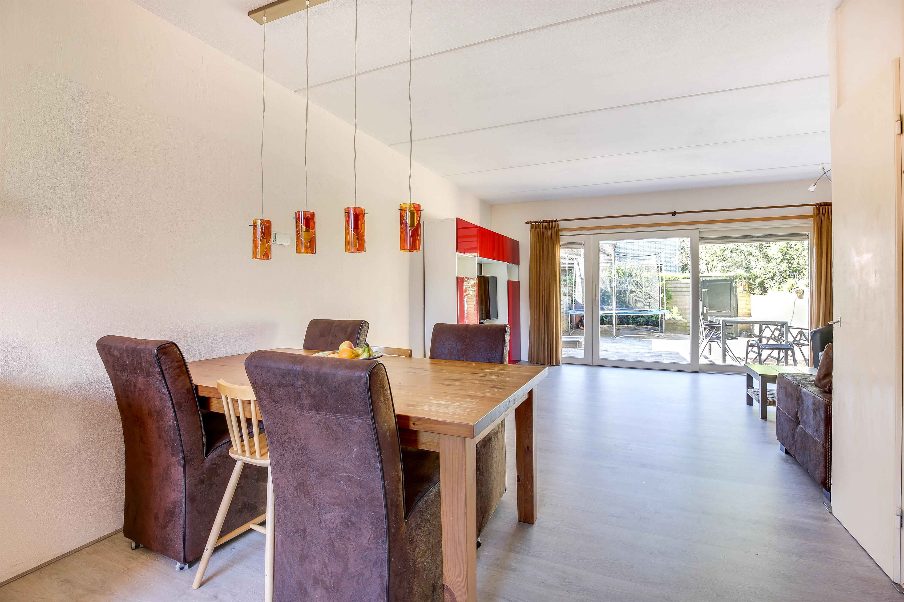 Te koop hofmark 143 almere hoekstra en van eck m r makelaar - Hoe een grote woonkamer te voorzien ...