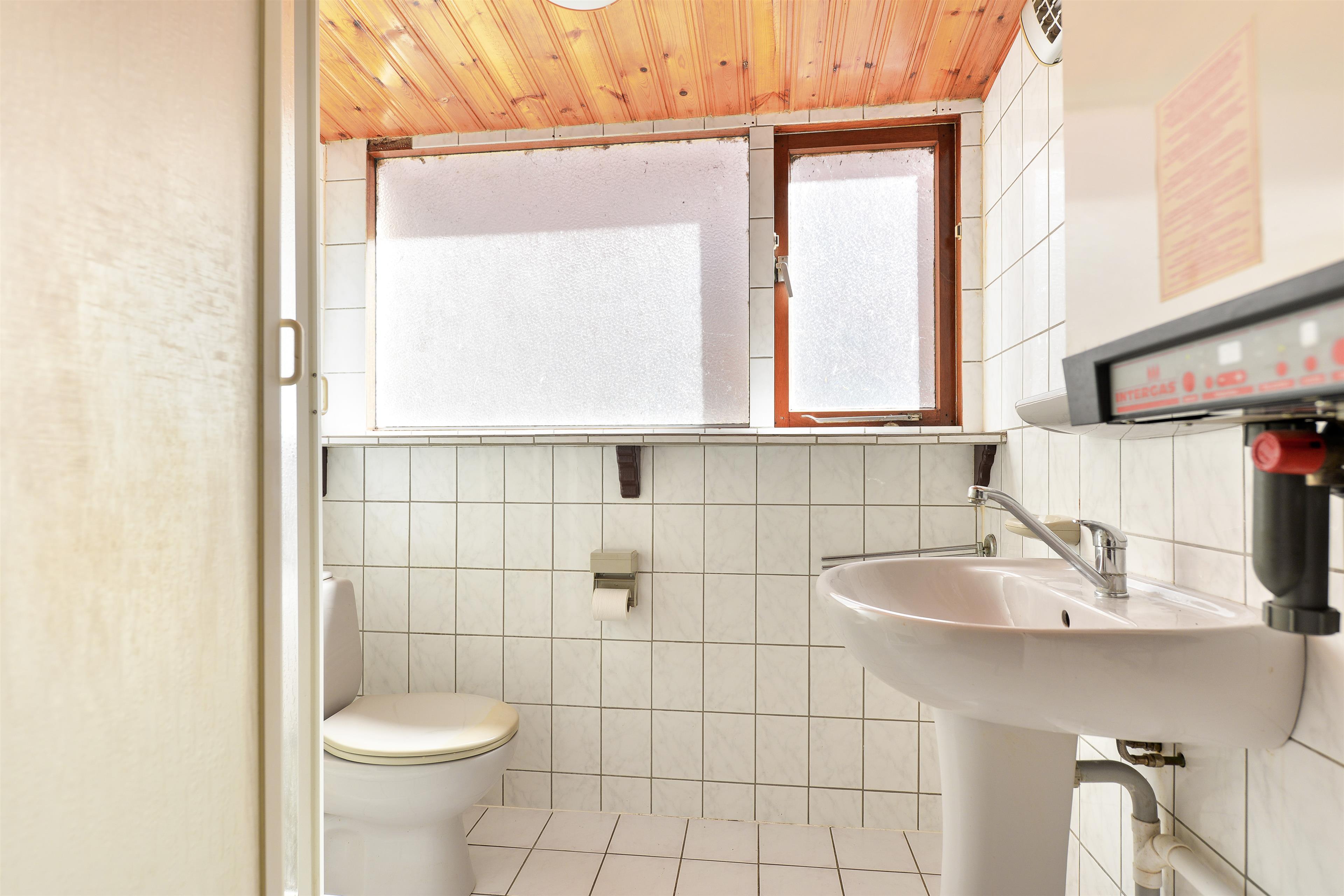 Te koop havenweg 20 enkhuizen hoekstra en van eck m r makelaar - Functionele badkamer ...