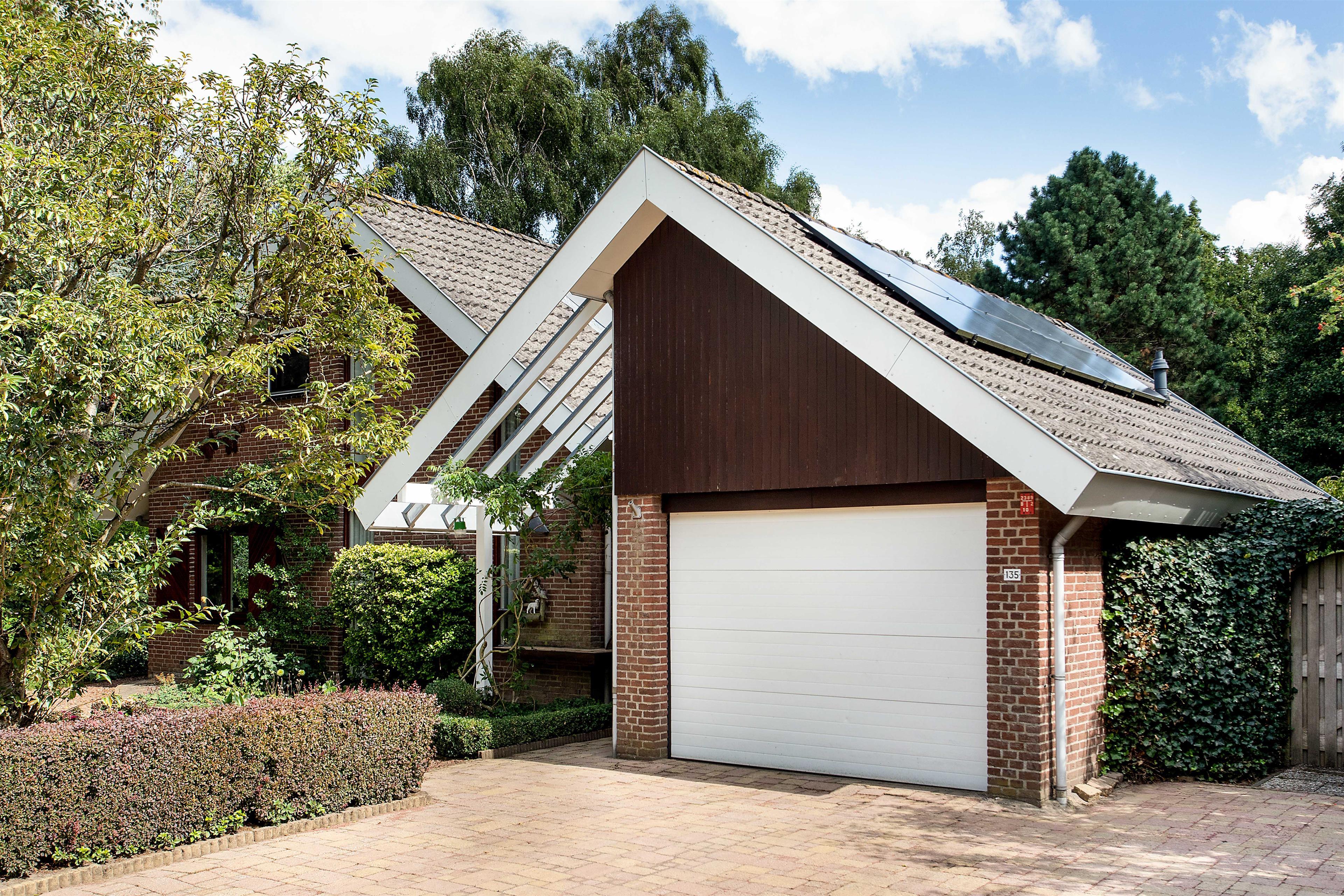 Garage Huren Almere : Te koop: hofmark 135 almere hoekstra en van eck