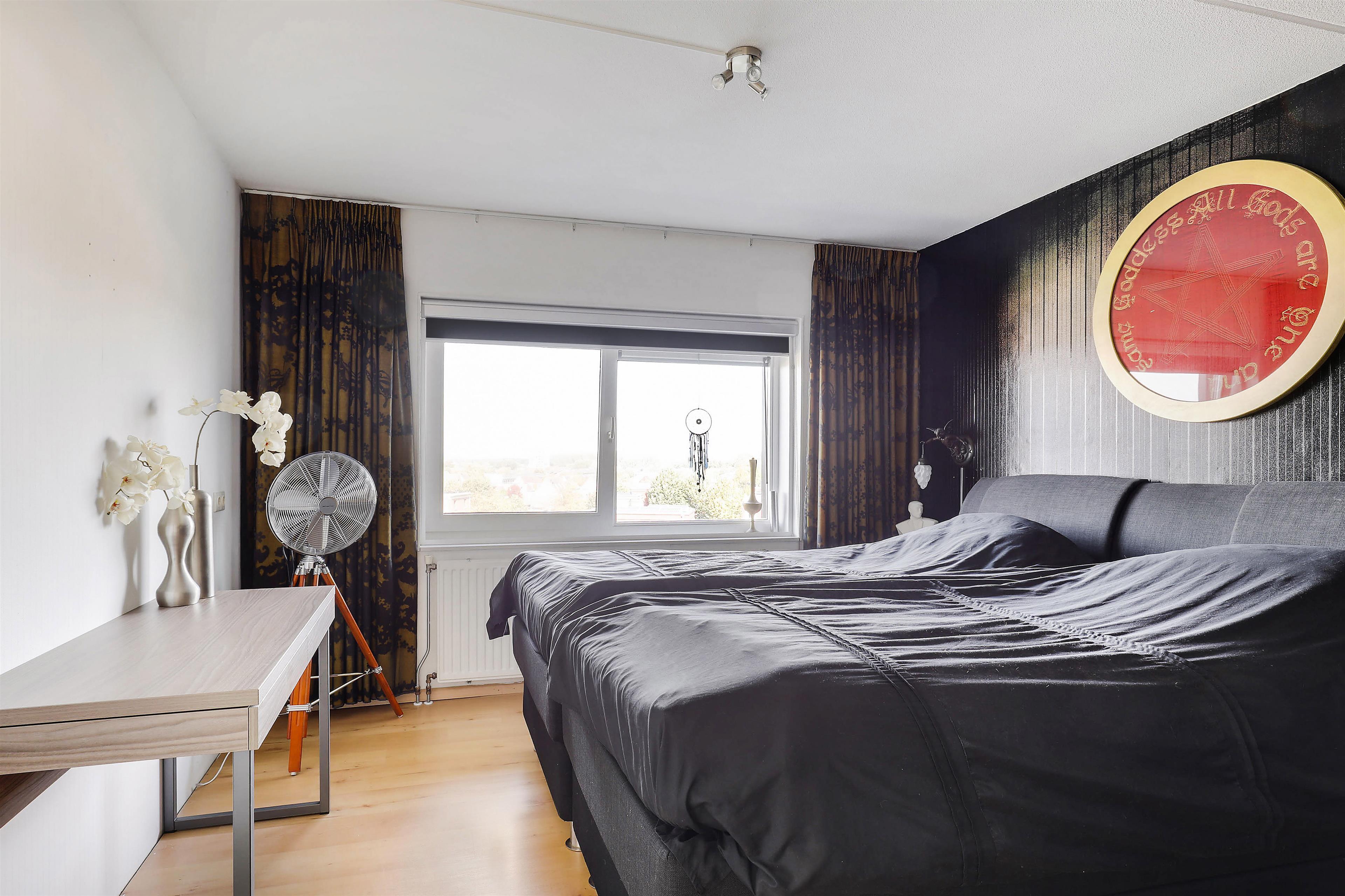 Zonwering Slaapkamer 53 : Te koop guadeloupestraat almere hoekstra en van eck