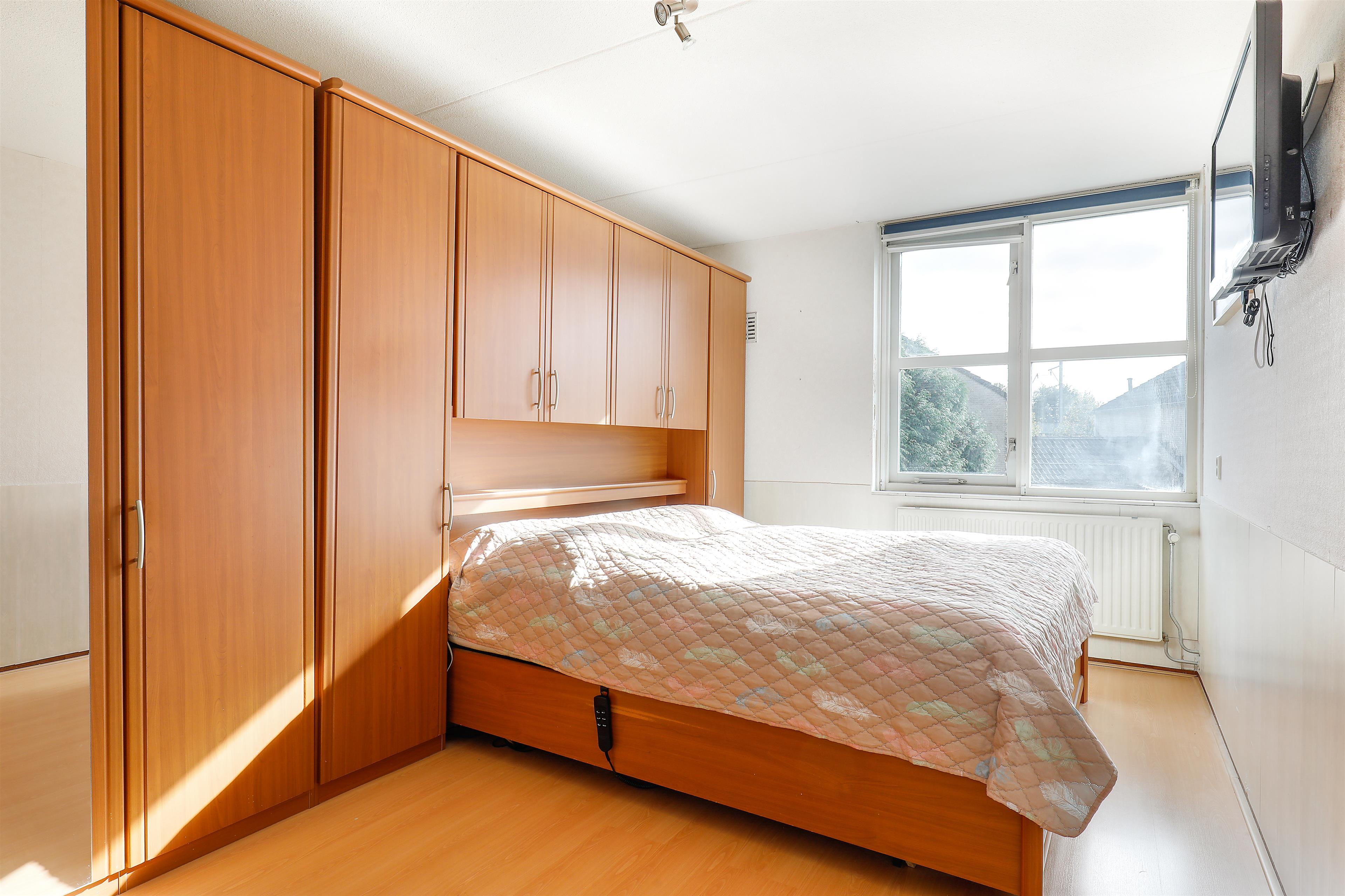 Zonwering Slaapkamer 51 : Te koop: middachtenlaan 51 almere hoekstra en van eck