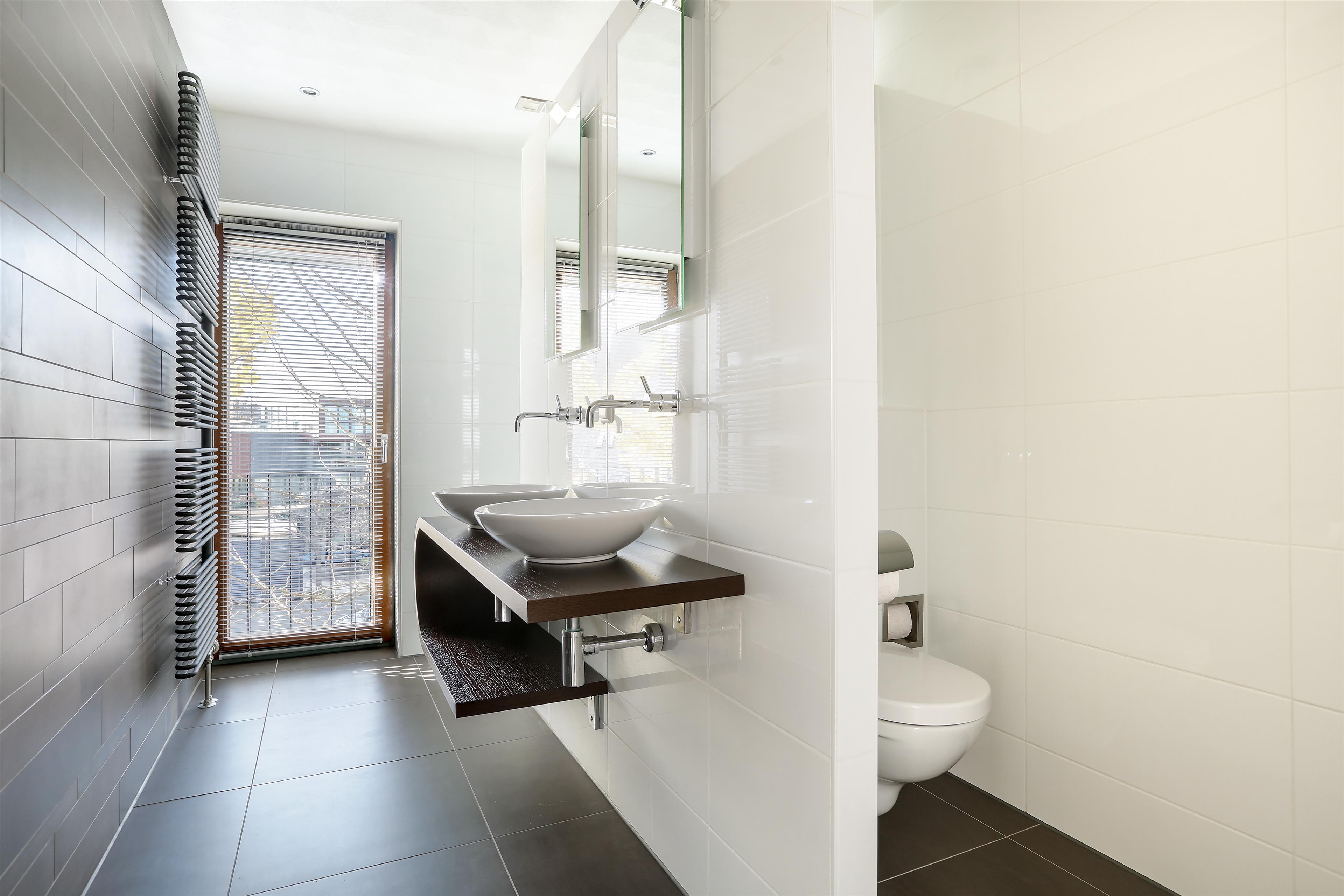 Badkamer Almere Buiten : Te koop jamaicastraat almere hoekstra en van eck