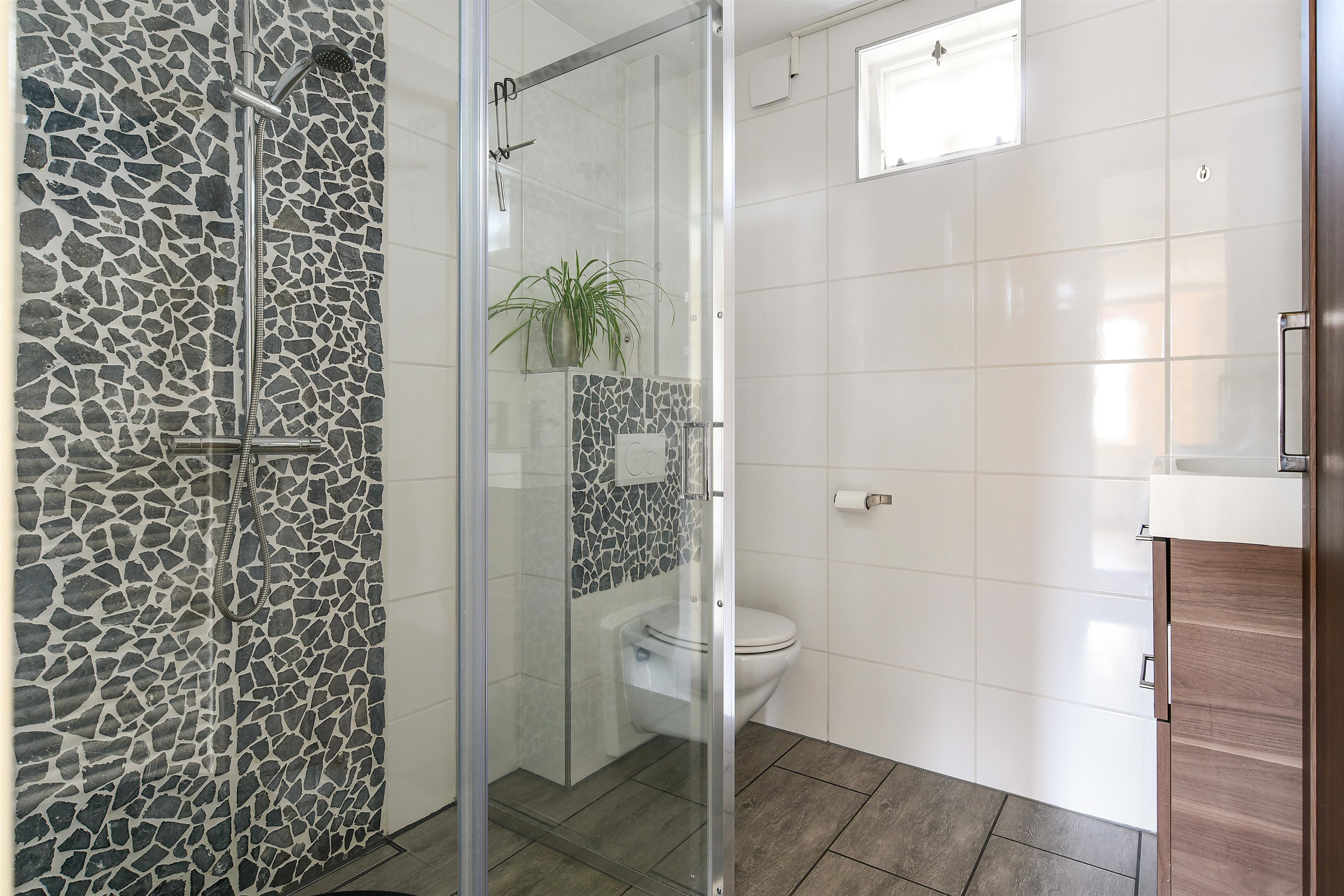 Badkamer Almere Buiten : Te koop scharstraat almere hoekstra en van eck