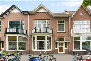 Velserstraat 11